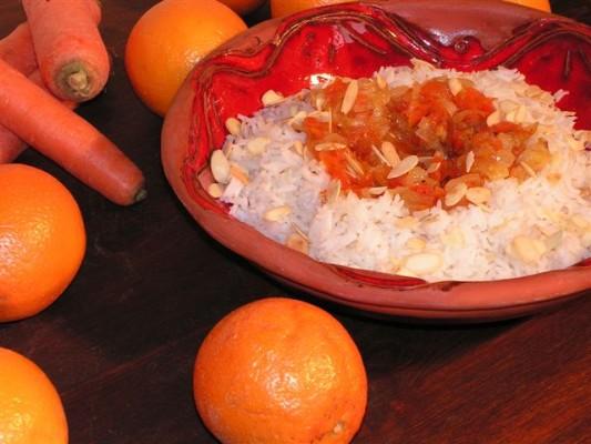 אורז בסמטי עם תיבולים גזר ותפוזים
