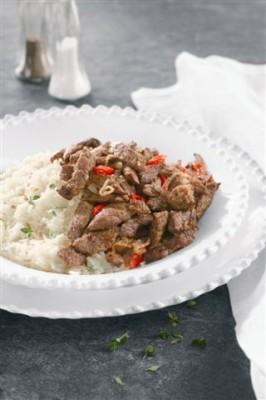 נתחוני צאך מוקפצות על אורז לבן