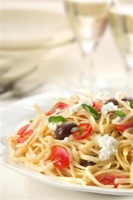 ספגטי אליאוליו עגבניות וטוב טעם