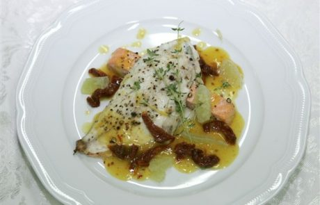 מתכון לדואט פילה דג דניס ופילה דג אמנון ברוטב לימון ועגבניות מיובשות