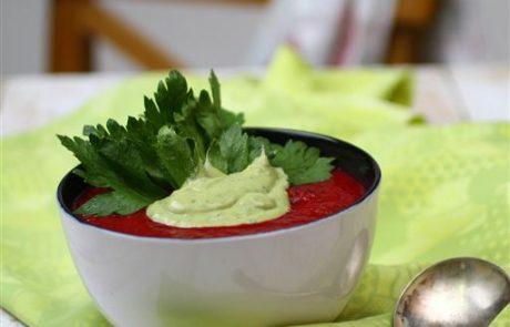 מרק סלק מוקרם בשמנת מן הצומח וואסאבי