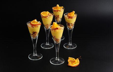 קרם תפוזים אישי פירורי עוגת ספוג ופלחי הדרים