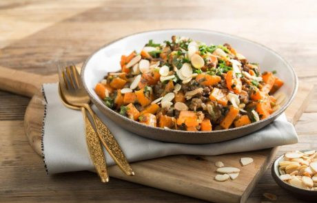 תוספת מושלמת לארוחה הבשרית: סלט עדשים חם