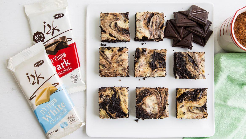 """מתכון לט""""ו באב: בראוניז משויש עם שוקולד וגבינה"""