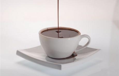 משקה אנרגיה של שוקולד שקדים ודבש