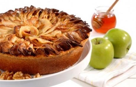 מתכון לראש השנה: עוגת דבש עם תפוחי עץ