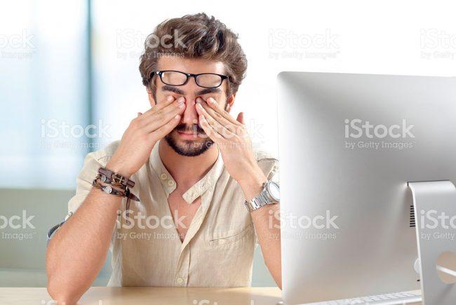 למה סטודנטים ממצמצים פחות ?! לקראת שנת הלימודים האקדמאית  להלן מספר טיפים חשובים לסטודנטים- כיצד לשמור על העיניים ולהימנע מיובש