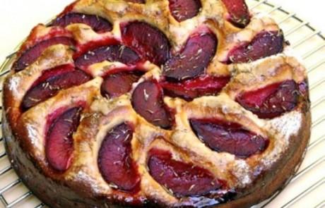 מתכון קייצי: עוגת שזיפים