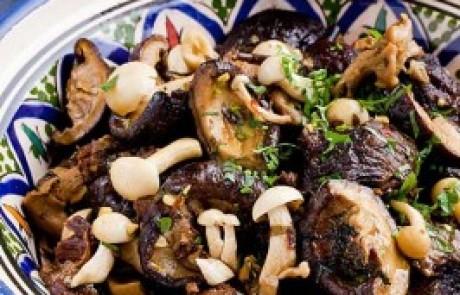 בשר עגל בזעפרן ותערובת פטריות