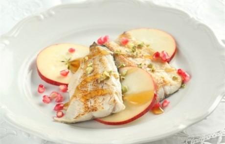 מתכון חגיגי לערב ראש השנה: דג פורל בסיידר תפוחים