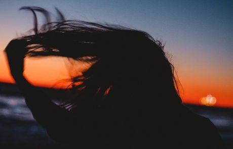 איך מתמודדים עם נשירת שיער